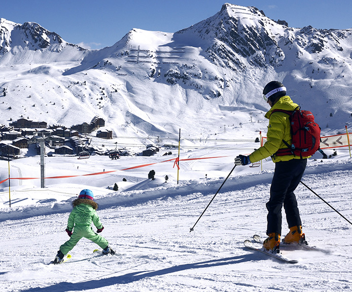 Family skiing in La Plagne