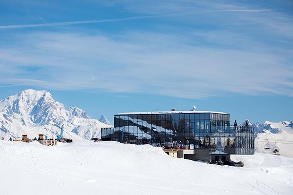Le 360 restaurant, top of the Montalbert gondola